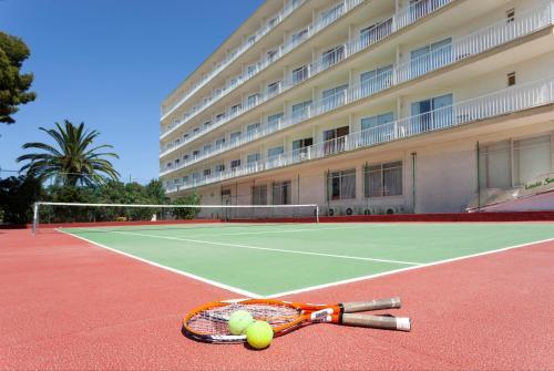 Tennis- en/of squashfaciliteiten bij Linda of in de buurt