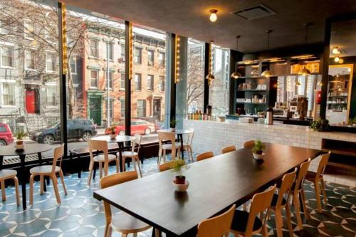 A restaurant or other place to eat at The Tillary Hotel Brooklyn