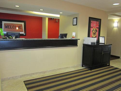 The lobby or reception area at Extended Stay America Suites - Seattle - Bothell - Canyon Park