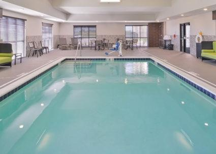 The swimming pool at or near Hampton Inn and Suites Altoona-Des Moines by Hilton