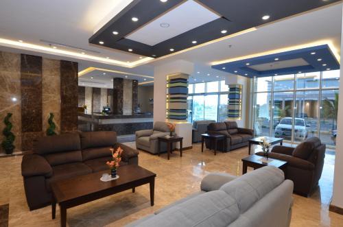O saguão ou recepção de Bayat Suites