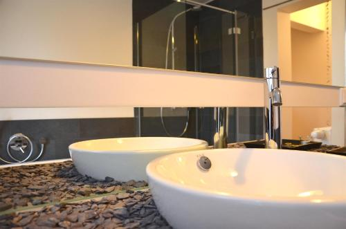 A bathroom at B&B Fernblick im Nürnberger Land