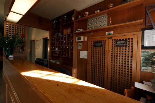 Лобби или стойка регистрации в Albergo Ristorante Giulietta e Romeo