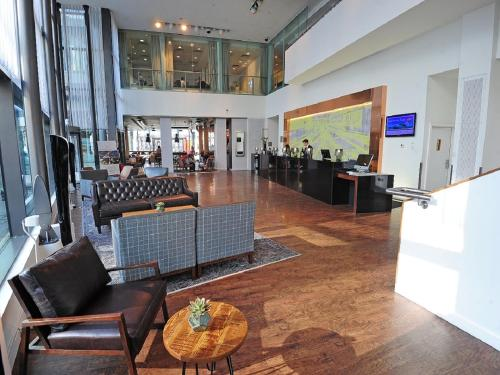 The lobby or reception area at DoubleTree by Hilton Manchester Piccadilly