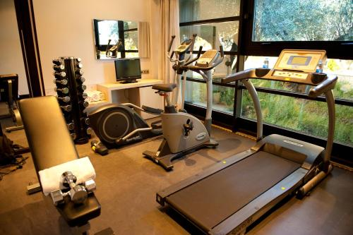 The fitness center and/or fitness facilities at Hotel Nuevo Boston