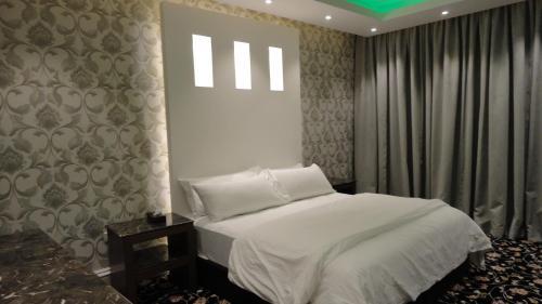 Cama ou camas em um quarto em Dary Furnished Apartments 2 (For Families only)