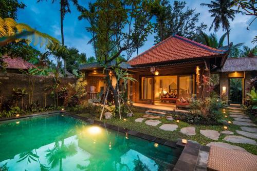 The swimming pool at or near Bunut Garden Luxury Private Villa