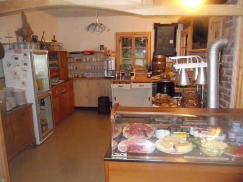 Küche/Küchenzeile in der Unterkunft Schwarzwald-Gasthof Hirsch