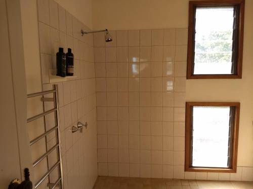 A bathroom at Hotham Ridge Estate