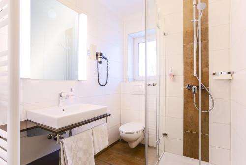 Ванная комната в Hotel - Restaurant Erich Rödiger