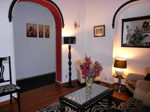 A seating area at Hostal Valencia Madrid