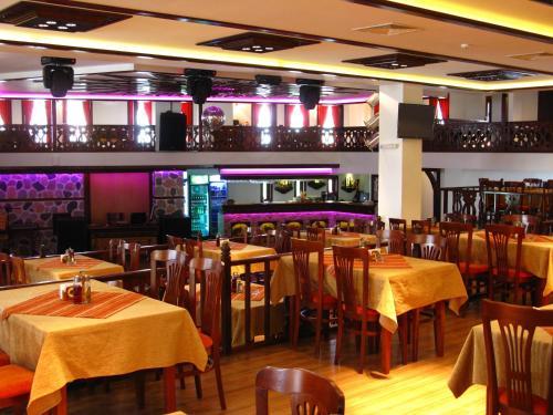 Ресторант или друго място за хранене в Спа Комплекс Александър