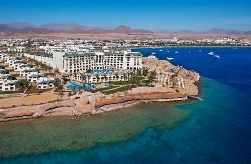 Een luchtfoto van Stella Di Mare Beach Hotel & Spa