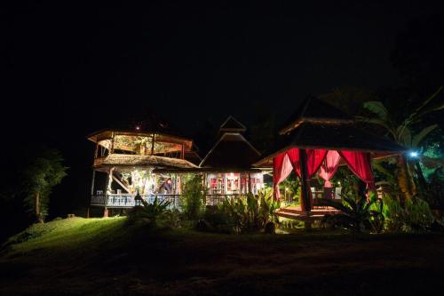 Shangri-Lao Resort
