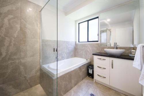 A bathroom at Executive Home Accomodation