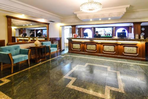 The lobby or reception area at Hotel Gran Palace