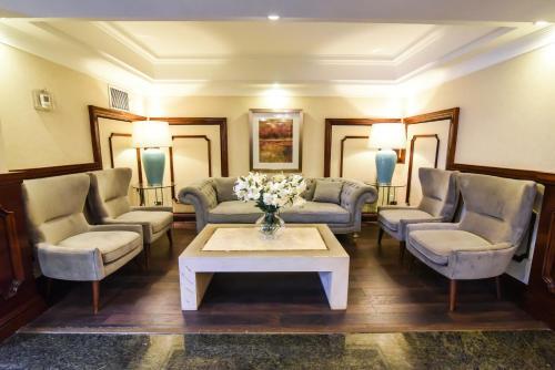 A seating area at Hotel Gran Palace