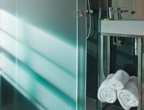 A bathroom at The Z Hotel Soho