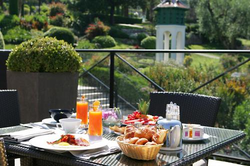 Breakfast options available to guests at Royal Mougins Golf, Hotel & Spa de Luxe
