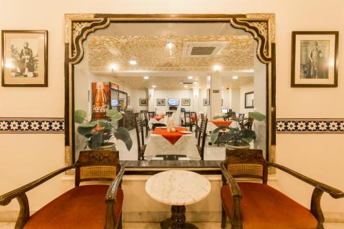 The fitness centre and/or fitness facilities at Umaid Residency - A Regal Heritage Home