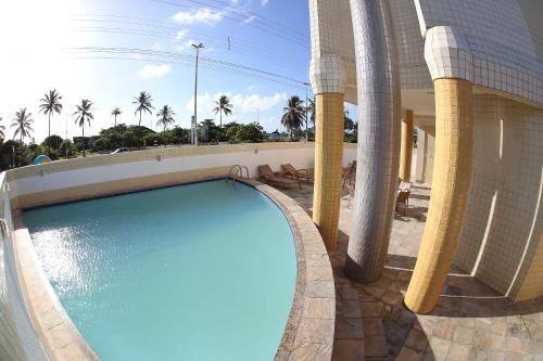 A piscina localizada em Real Praia Hotel ou nos arredores