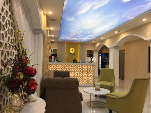 The lobby or reception area at Cupid Hotel