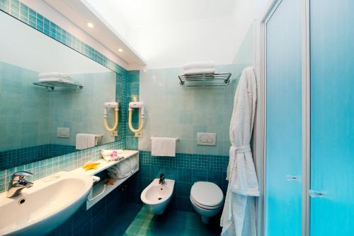 A bathroom at Hotel Ulisse