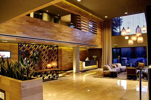 The lobby or reception area at Mulen Hotel Tandil