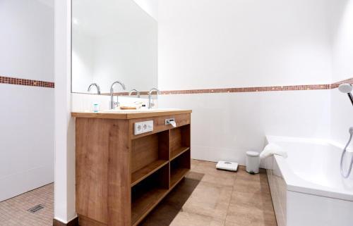 Een badkamer bij Hotel Villa Hügel