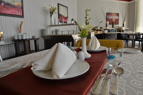Um restaurante ou outro lugar para comer em RAND by Wandalus (Formerly Coral Riyadh Suliemaniah)
