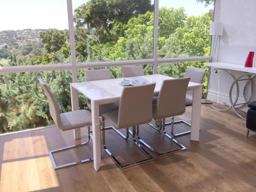 A balcony or terrace at Luxury House In Bondi Junction