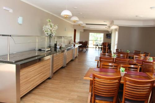 A restaurant or other place to eat at Hotel Villa das Termas Machadinho