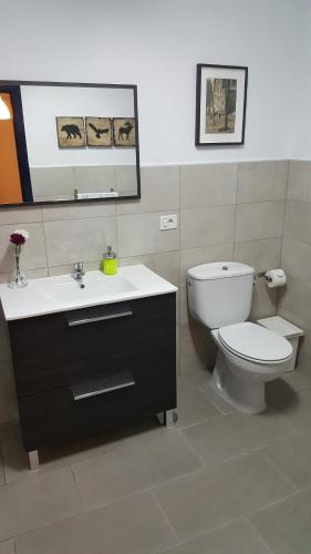 A bathroom at CIW Hostel