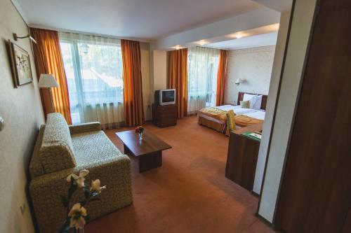 Кът за сядане в boutique hotel Borova Gora