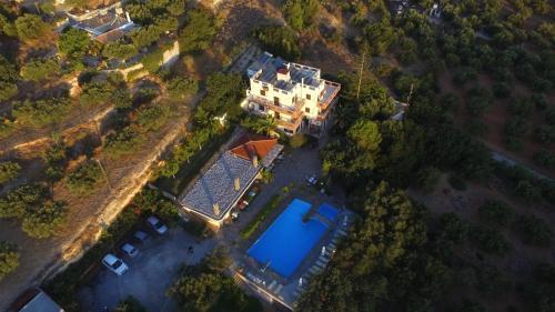 A bird's-eye view of Golden Apartments