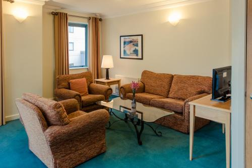 A seating area at DCU Rooms Glasnevin - Campus Accommodation