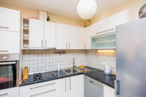 A kitchen or kitchenette at Apartment Petra