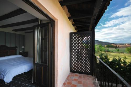 A balcony or terrace at La Casa Grande de Albarracín