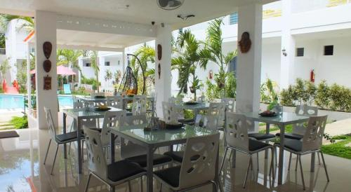 A restaurant or other place to eat at Paboreal Boutique Hotel