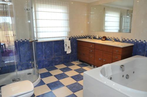 A bathroom at Castro Marim Golfe and Country Club