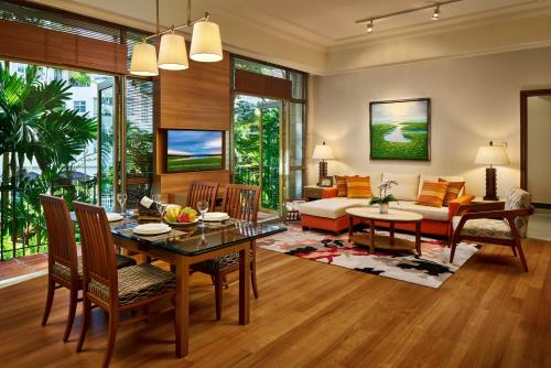 Treetops Executive Residences (SG Clean)