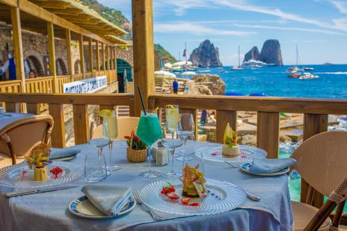 A restaurant or other place to eat at Diva La Canzone Del Mare