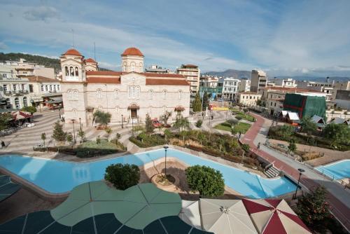 Θέα της πισίνας από το Ξενοδοχείο Μορφέας ή από εκεί κοντά