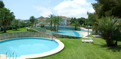 The swimming pool at or near Aparthotel Bahia Pinosol