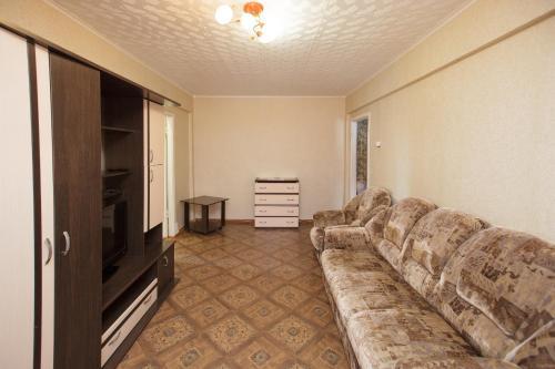 Гостиная зона в Apartment TwoPillows on Lenina 52-5