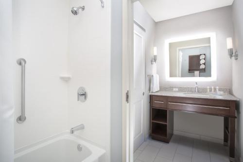 A bathroom at Homewood Suites By Hilton Las Vegas City Center