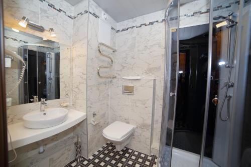 Ванная комната в Отель Матисов Домик у Новой Голландии