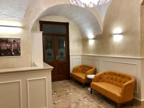 A seating area at Hotel Ristorante Combolo