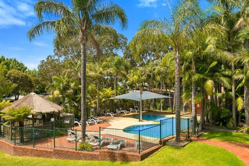 A view of the pool at Kaloha Holiday Resort Phillip Island or nearby