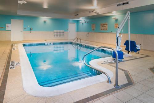 The swimming pool at or near SpringHill Suites Pittsburgh Southside Works